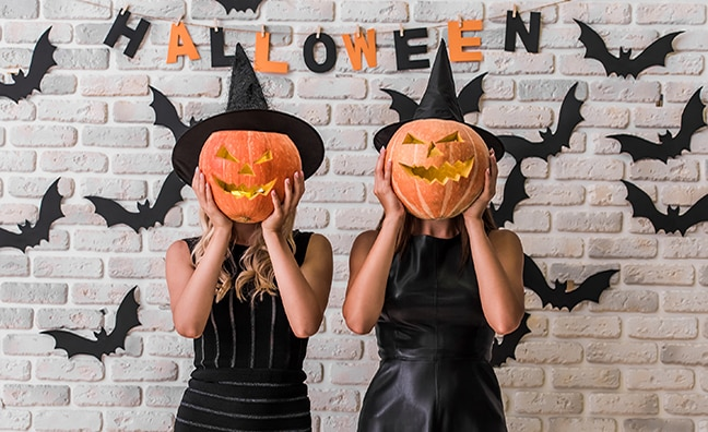 20 Halloween Costumes You Can Wear to Work in 2018